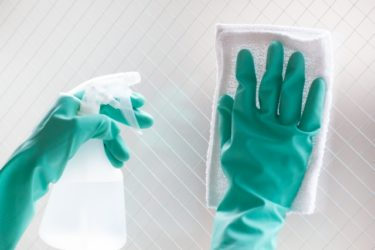 モテる男の窓の掃除は新聞でOK?重曹や100均よりも良い?掃除機もあるらしい